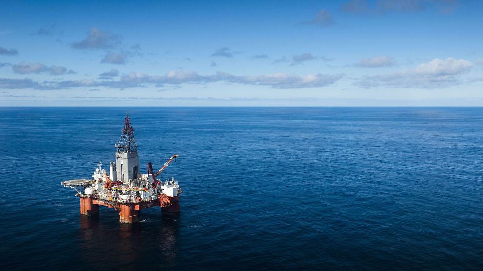 <p><b>OLJEFUNN:</b> Statoil har brukt boreplattformen West Hercules til å lete etter olje og gass rundt Johan Castberg-feltet. Etter flere skuffelser fant man olje i den siste letebrønnen. Nå som arbeidet ved Johan Castberg er ferdig skal West Hercules på oppdrag til utlandet.<br/></p>