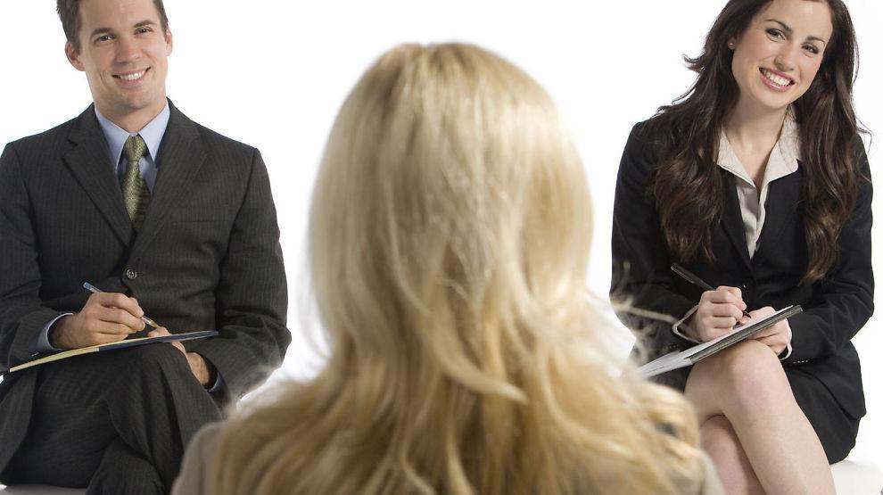 <p><b>IKKE LA DEG DRA INN I KONFLIKT:</b> Hvis to intervjuere er uenige om en sak, bør du ikke velge parti. Avgjørelsen faller på konsensus mellom de to. Dette er rådet til personlighetsforsker Svenn Torgersen.<br/></p>