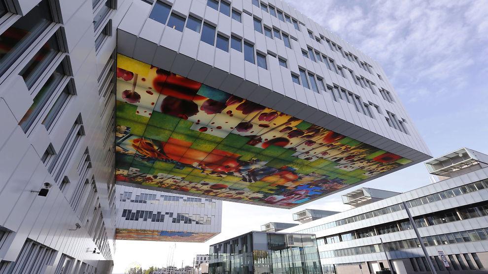<p><b>OLJE PÅ TOPP:</b> Statoil topper listen over hvilke selskaper norske økonomi- og ingeniørstudenter ønsker å jobbe. Offentlige selskaper glimrer med sitt fravær, bortsette fra Innovasjon Norge. Bildet er fra Statoils kontor på Fornebu.<br/></p>