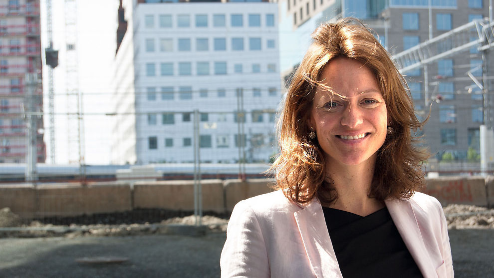 <p><b>NYTT JURYMEDLEM:</b> Konserndirektør Hege Yli Melhus i Gjensidige brenner for lederutvikling. Nå skal hun være med å kåre årets fremste ledertalent.<br/></p>