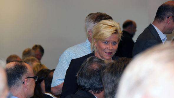 <p><b>SKATTEDEBATT</b>: Finansminister Siv Jensen sa til forsamlingen på NHH at hun mener skattesatsene bør ned.<br/></p>