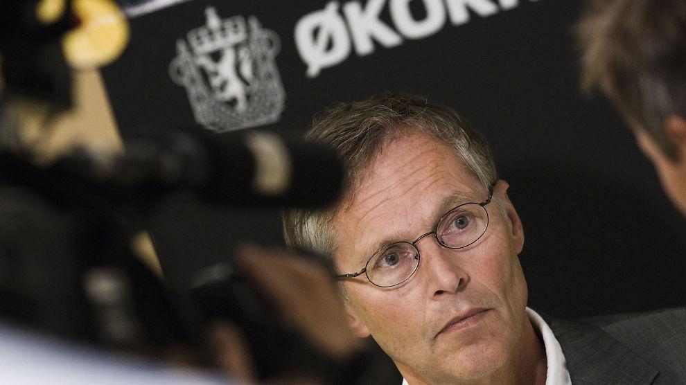 <p><b>UENIG:</b> Førstestatsadvokat Morten Eriksen mener det var riktig å etterforske saken mot Transocean, selv om saken tok over ni år. Her fra Økokrim sin pressekonferanse i anledning påtaleavgjørelsen mot Transocean.<br/></p>