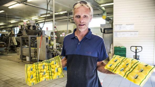 <p><b>FRA JORD TIL MIDDAGSBORD:</b> Ved Sulerud gård har de satset innovativt på eget potetforedlingsanlegg.<br/></p>