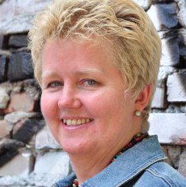 <p>Avdelingsleder Mona Larsen-Asp ved LDO<br/></p>