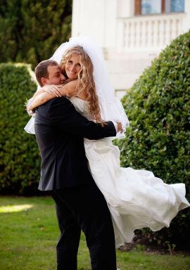 <p><b>REISER VEKK:</b> Rundt 22 prosent av norske par som giftet seg i 2013 valgte å gjøre det i utlandet.<br/></p>