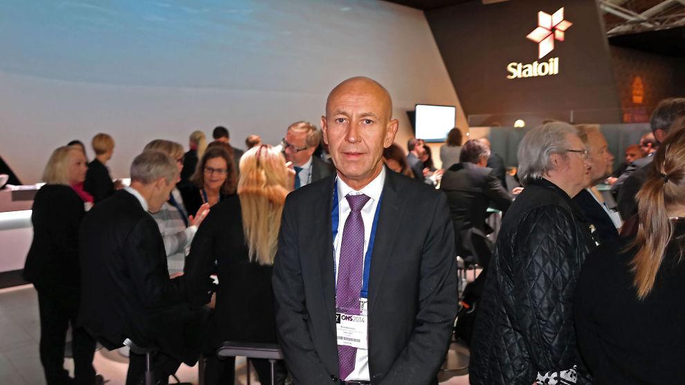 <p><b>- PROBLEMSTILLINGEN ER PREKÆR:</b> Med et nytt lobbykontor i Berlin forsøker Rune Bjørnson, konserndirektør i Marketing & Trading-virksomheten i Statoil, å få Tyskland og Europa til å vende tommelen ned for kull og opp for gass.<br/></p>