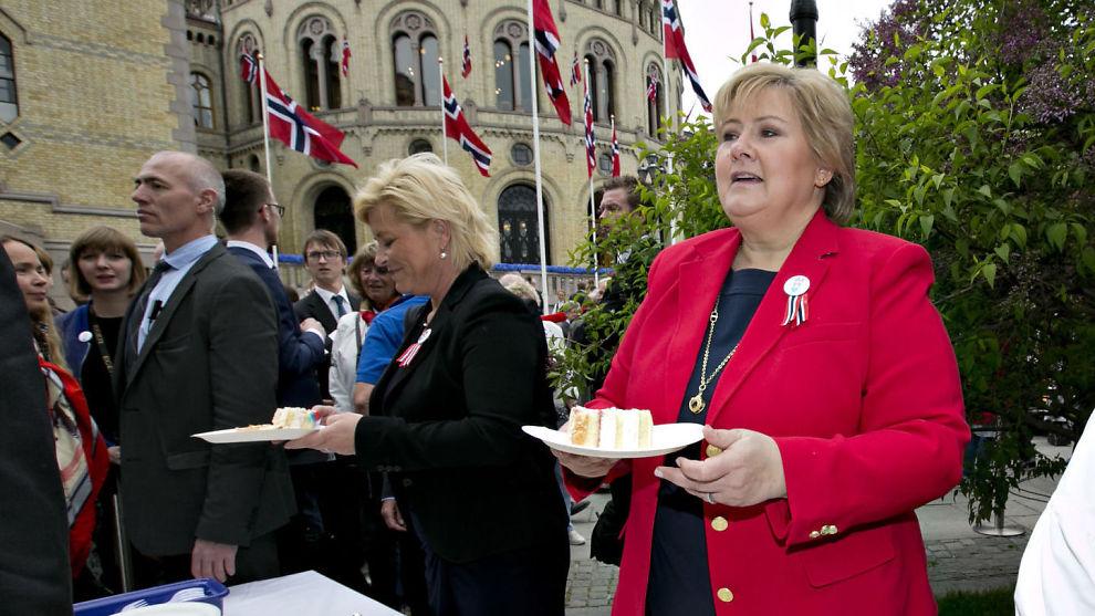 <p><b>STORE KAKESTYKKER:</b> Statsminister Erna Solberg og finansminister Siv Jensen skal, ifølge VGs opplysninger, ha valgt å dele ut store kakestykker til få i stedet for små kakestykker til mange i opplegget for formuesskatten neste år.</p>