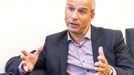 <p>KrFs nestleder og leder av finanskomiteen på Stortinget har Hans Olav Syversen en nøkkelrolle i arbeidet med å lose statsbudsjettet for 2014 i havn etter regjeringsskiftet.<br/></p>
