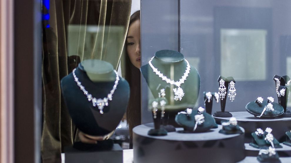 <p><b>ØKT APPETIT:</b> Kinesernes ønske om å kjøpe diamanter blir stadig større. Ifølge analysebyrået De Beers kan Kina ta over for USA som verdens største marked for edle stener.<br/></p>