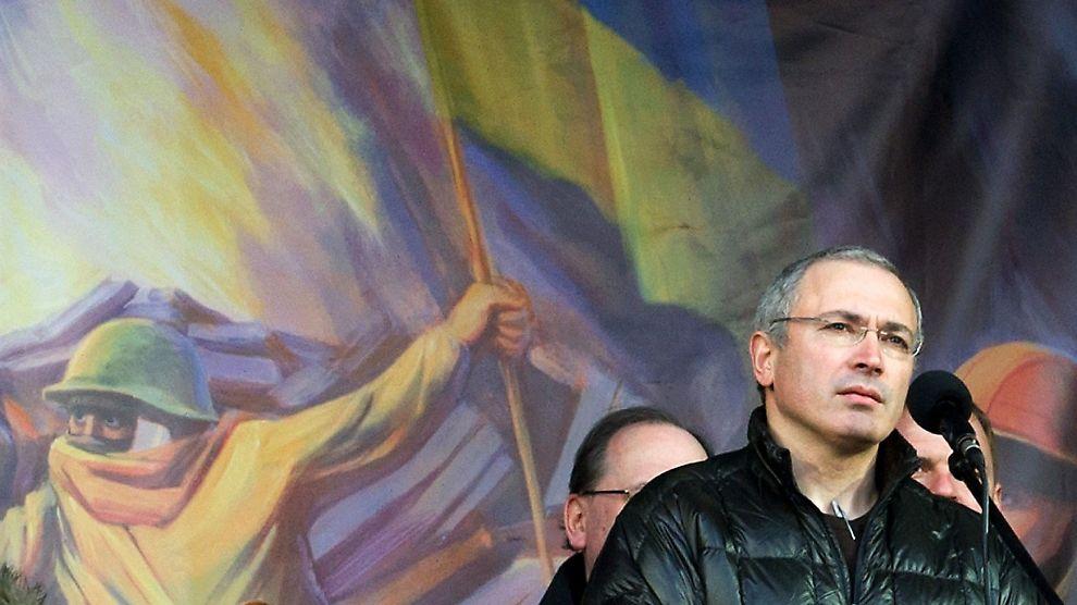 <p><b>COMEBACK ?:</b> Mikhail Khodorkovskij varsler at han kan være villig til å lede Russland.<br/></p>