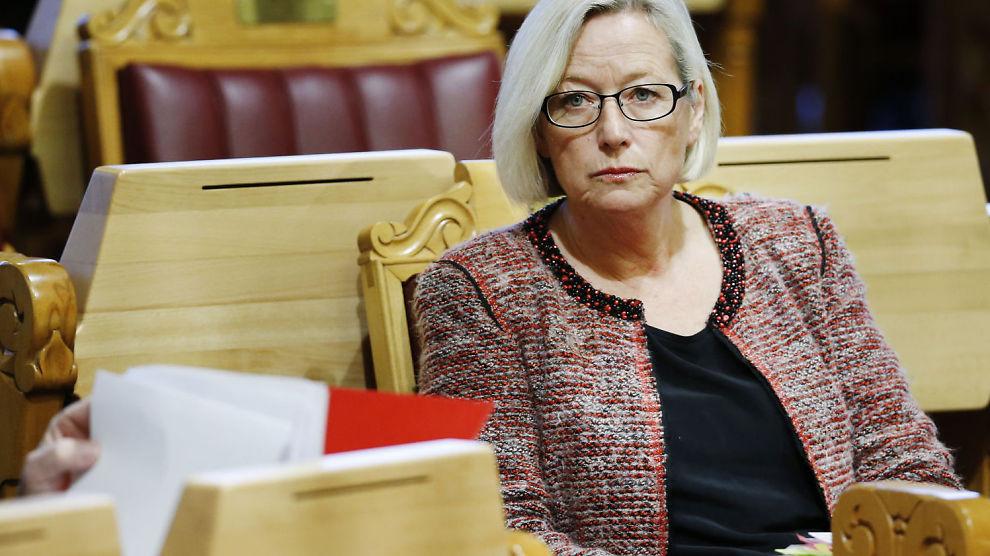 <p><b>VENTER PÅ STORTINGSBEHANDLING:</b> Senterpartiets parlamentariske leder, Marit Arnstad, mener EØS-midler til Ukraina vil gi inntrykk av at Norge tar parti i konflikten mellom Ukraina og Russland.<br/></p>
