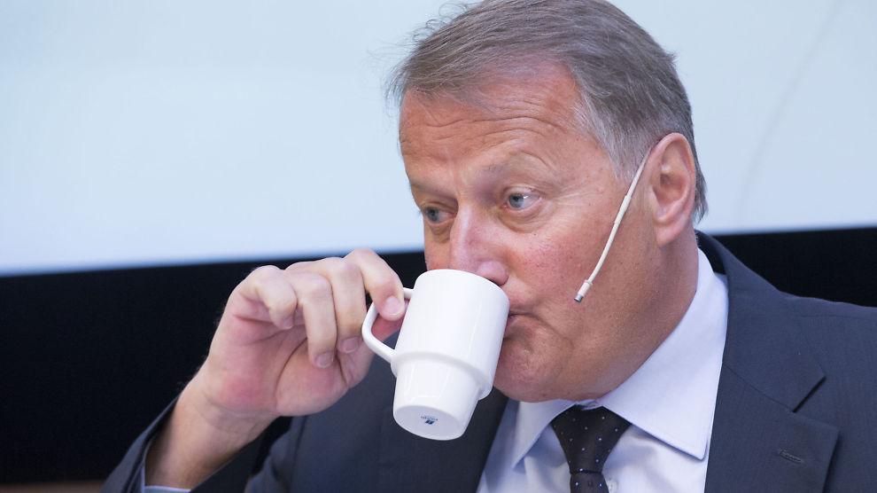 <p><b>KAFFEN I VRANGSTRUPEN?</b> DNB og konsernsjef Rune Bjerke må nøye seg med jumboplassen i årets EPSI-kåring av bankene nordmenn er mest fornøyd med.</p>