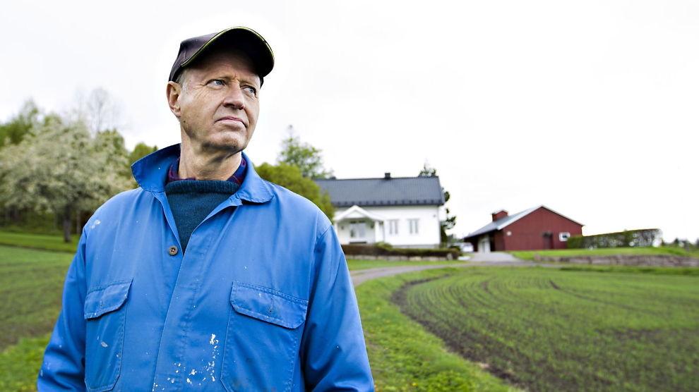 <p><b>- TORGEIR KVIDAL ER EN FIN FYR:</b> Tidligere konsernsjef Jørgen Ole Haslestadi Yara tror konstituert konsernsjef Kvidal vil gjøre en god jobb i fusjonsforhandlingene med CF Industries. Her er han fotografert på gården sin i Hof i Vestfold ved en annen anledning.<br/></p>