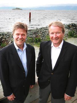 Reinertsen benytter seg av den ledige kompetansen på markedet, etter at andre oljeleverandører startet å nedbemanne, og ansetter innen spesielle fagområder. Samtidig vil de verne om den kompetansen de har til markedet tar seg opp igjen. Her ved direktør for forretningsutvikling Geir Suul (til venstre) og eier Torkild Reinertsen.
