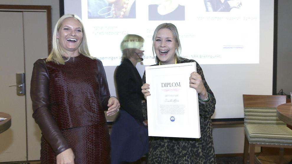 <p><b>TALENTFULL</b>: Kronprinsesse Mette-Marit delte ut prisen «Årets Talent» til Camilla Bjørn i VG.<br/></p>