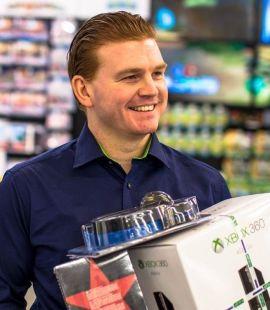 <p><b>«EKSPLOSJON»:</b> Øystein A. Schmidt, kommunikasjonssjef i Elkjøp Norge, betegner salgsøkningen via mobiltelefon som en eksplosjon.</p>