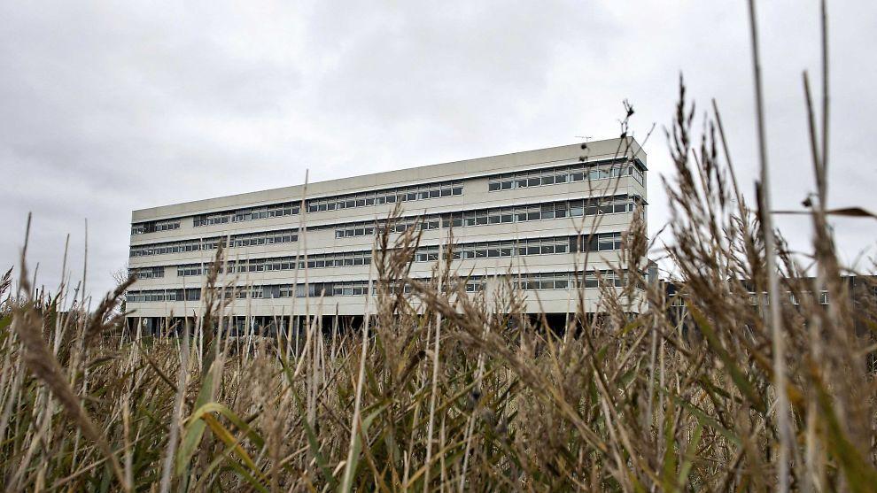 <p><b>KOLLAPS:</b> Verdens største selskap innen bunkershandel har kollapset etter det som kalles svindel og beinhard spekulering hos et datterselskap. Bildet viser hovedkvarteret til det danske selskapet OW Bunker in Aalborg.</p>