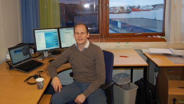 <p><b>HÅPER PÅ JOBB FØR JUL:</b> Eirik Avset Fredriksen mistet jobben som logistikkansvarlig i Aibel. Nå håper han på ny jobb før jul i Kristiansund hvor han mener det er begrenset med ledige stillinger akkurat nå.</p>