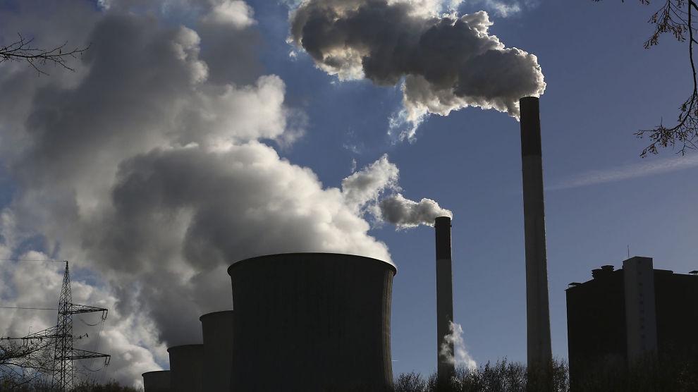 <p><b>STØTTE:</b> Utviklingsland må få støtte til kullkraftverk dersom det ikke foreligger alternative energikilder til «en fornuftig pris», mener Verdensbanken, som likevel lover å trappe opp satsingen på fornybar energi.</p>