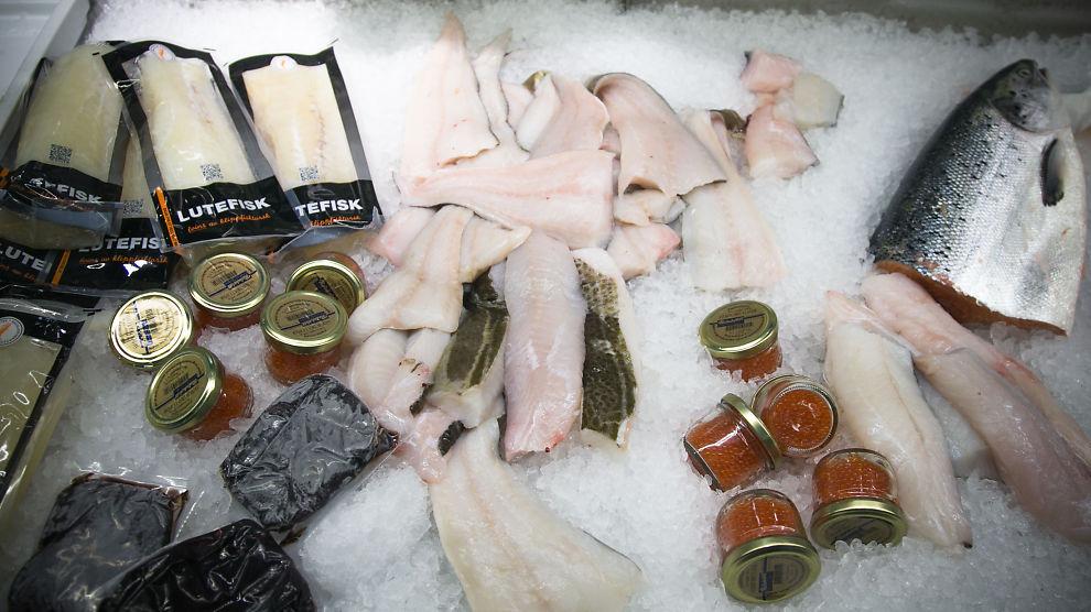 <p><b>GOD JUL:</b> Torsk og annen fisk i en av fiskediskene på Mathallen i Oslo går unna før jul, og bidrar sårt til hyggeligere årsregnskap for Mathallen.<br/></p>