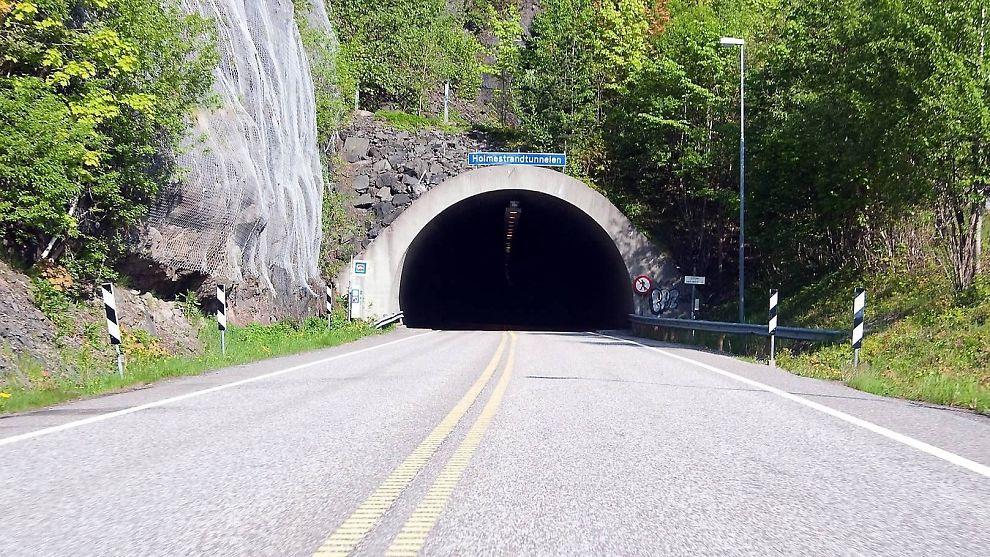 UBRUKT: Holmestrandtunnelen har stått ubrukt i flere år. Nå håper interesseorganisasjonen Holmestrand Skitunnel AS at den om få år vil stå klar som Norges eneste skitunnel.