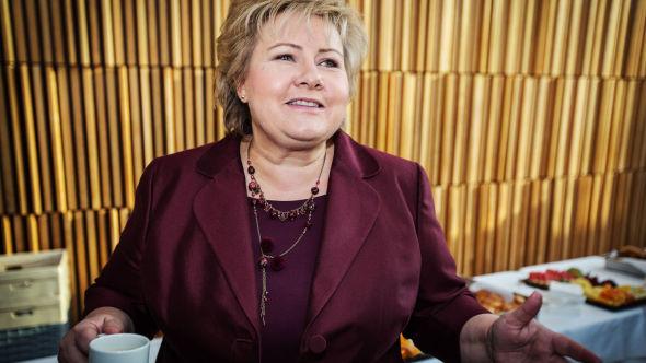 <p><b>KRITISERES:</b> Statsminister Erna Solberg (H)</p>