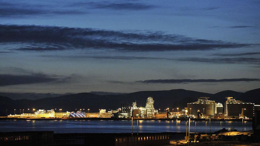 <p><b>MER PETROLEUMSAKTIVITET:</b> Gassanlegget på Hammerfest er en del av en liten oljeklynge som nå kan bli betydelig større i Finnmark.</p>