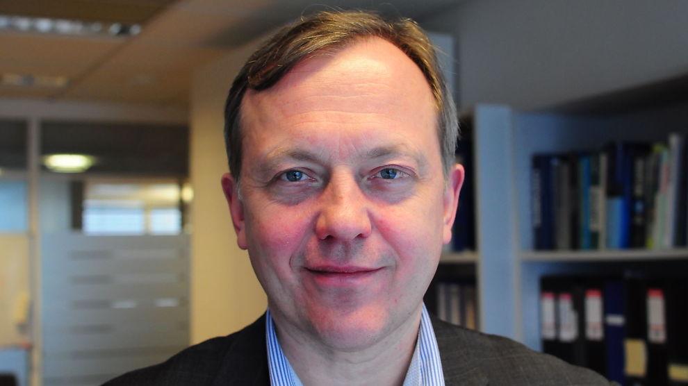 <p><b>- SØRG FOR Å SITTE IGJEN MED «DE BESTE»:</b> Advokat Nicolay Skarning er spesialist på arbeidsrett og jobber i advokatfirma Kvale. Nå har han skrevet en bok om oppsigelser.<br/></p>