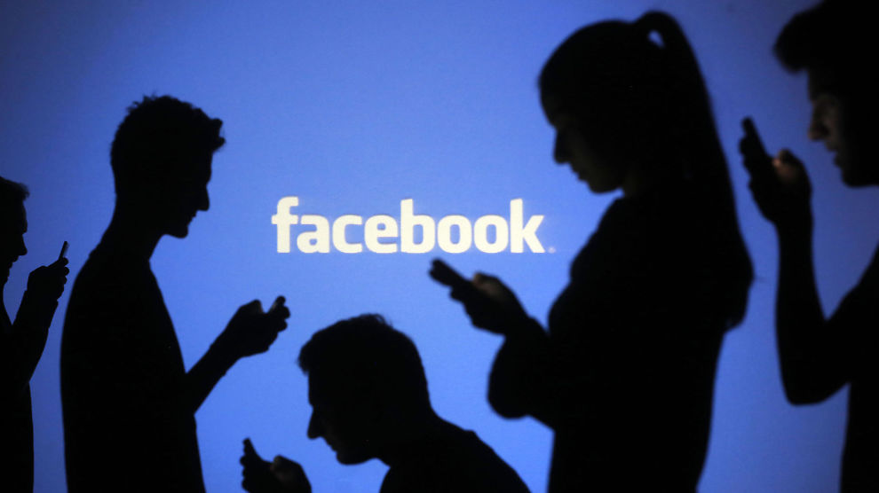 "<p><b>OVER FORVENTNING:</b> Facebook <a class="""" href=""http://e24.no/digital/facebook/facebook-har-flere-innbyggere-enn-verdens-mest-menneskerike-land/23383722"">leverte et kvartalsresultat</a> som var over analytikernes forventninger denne uken. Der kom det frem at Facebook nå har 1,39 milliarder brukere verden over.</p>"