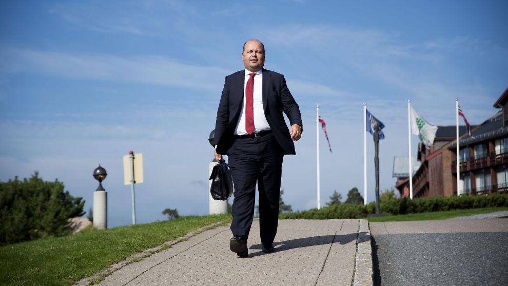 <p><b>FORNØYD:</b> Statoilanalytiker Trond Omdal er svært fornøyd med at selskapet landet på Eldar Sætre som konsernsjef.<br/></p>