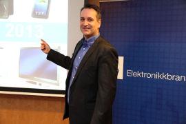 <p><b>PRESENTERTE TALL:</b> Daglig leder Jan Røsholm i Stiftelsen Elektronikkbransjen, her under en tidligere presentasjon.<br/></p>