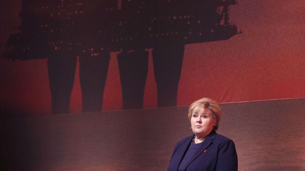 <p><b>TALTE TIL OLJEFOLKET:</b> Statsminister Erna Solberg under Norsk olje og gass' konferanse i Oslo torsdag.<br/></p>