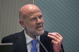 <p><b>SKAL VURDERE TILTAK:</b> Direktør i Finanstilsynet, Morten Baltzersen, skal vurdere om det trengs tiltak for å dempe gjeldsveksten.<br/></p>