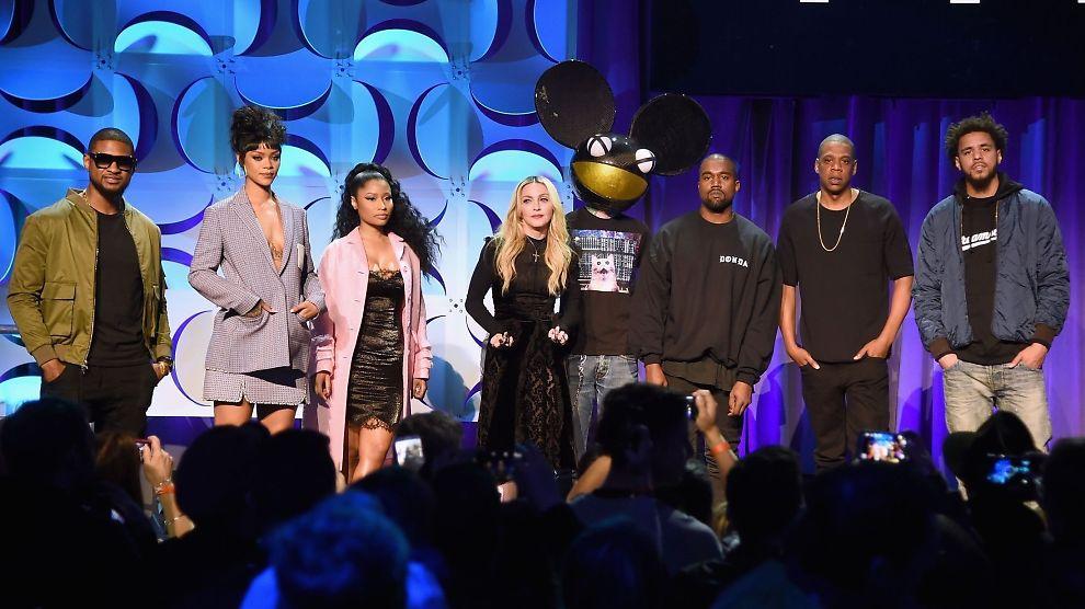 <p><b>STØTTER TIDAL:</b> (f.v.) Artistene Usher, Rihanna, Nicki Minaj, Madonna, Deadmau5, Kanye West, Jay Z og J. Cole var blant artistene som sto på scenen i New York i natt og snakket om Tidal.</p>