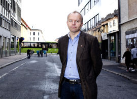 <p>Ove Magnus Halkjær, Handel og Kontor</p>