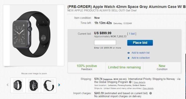 <p>Fredag kveld var Apples smartklokke allerede på auksjon på eBay. Der selger folk forhåndsbestillingene de har lagt inn for mer enn dobbel pris av hva Apple tar. Her er en Sport-versjon kommet opp i 899 dollar, en klokke Apple selger for 399 dollar.</p>