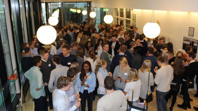 <p><b>PÅ BEDRIFTSBESØK:</b> NTNU-studenter fra Trondheim er på bedriftsbesøk hos PwC i Oslo.<br/></p>
