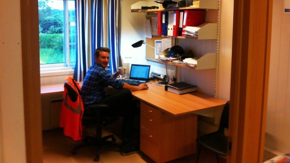 <p><b>BYGGEHERRE:</b> Roar Fosse (25) fikk sommerjobb i entreprenørselskapet Skanska under studietiden og senere tilbud om fast jobb.<br/></p>