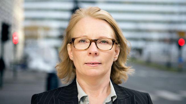 <p><b>GRANSKER</b>: Finanstilsynets seksjonssjef for inkasso Anne-Kari Tuv sier de nå sjekker tips om koblinger mellom Oslo Creditservice og Pri Credit.<br/></p>