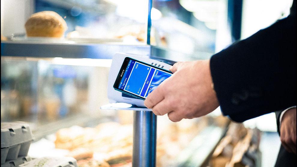 <p><b>VIL BEHOLDE PIN:</b> Den nye betalingstjenesten Valyou fra DNB Sparebanken 1 og Telenor lar deg betale opptil 200 kroner uten å taste PIN på mobil. Forbrukerrådet mener PIN-koden bør beholdes.<br/></p>