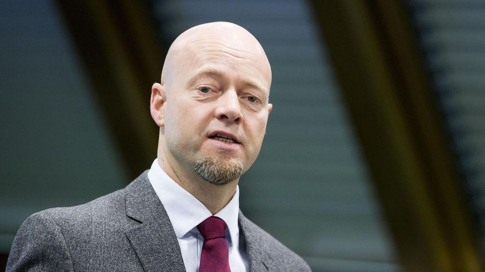 <p><b>UT AV KULL:</b> Oljefondet-leder Yngve Slyngstad må trekke seg ut av kullselskaper.<br/></p>