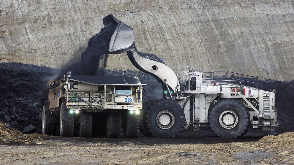<p><b>SKAL UT:</b> Stortinget har samlet seg om kriterier som sier at selskaper som har 30 prosent av virksomheten sin i handel med forurensende kull skal ut av Oljefondet. Dette vil bli vedtatt i dag.</p>