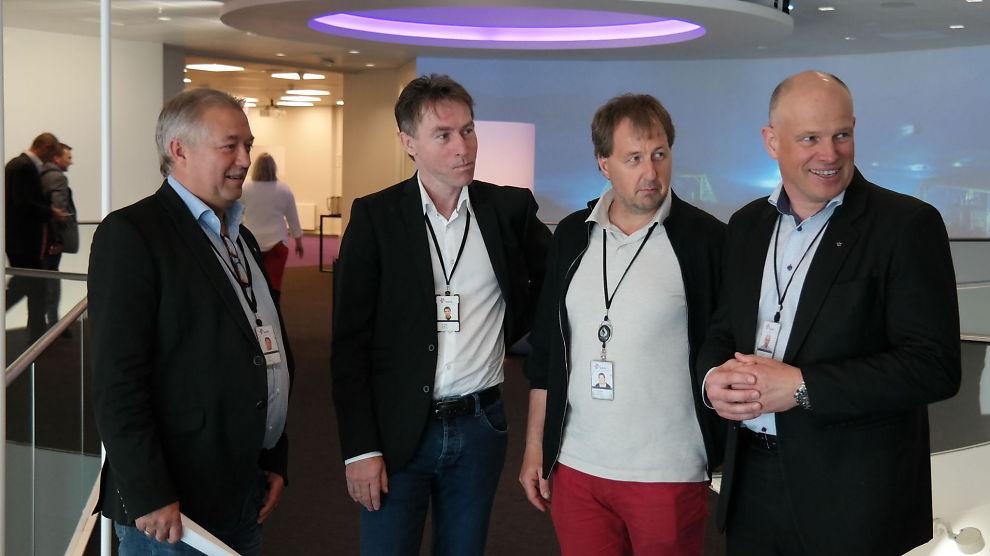 <p><b>KLAR FOR ET KRAFTTAK:</b> Statoil-tillitsvalgte Terje S. Enes i SAFE (fra venstre), Per Helge Ødegård i Lederne og Per Steinar Stamnes i Industri Energi, møtte torsdag opp sammen med Statoils sjef for norsk sokkel, Arne Sigve Nylund, for å snakke om deres felles visjon for norsk sokkel.</p>