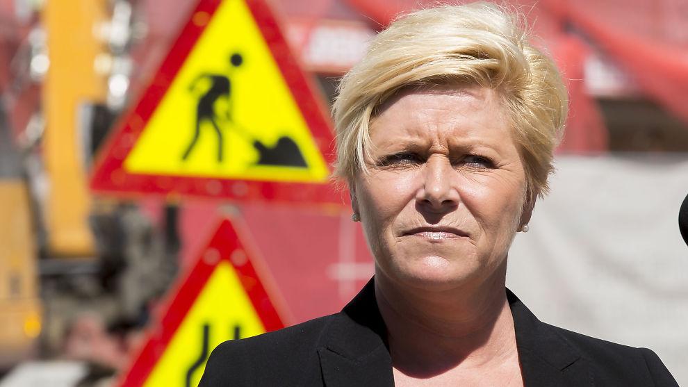 <p><b>LA FREM BOLIGPAKKE:</b> Finansminister Siv Jensen la frem nye regler for boliglån samtidig med regjeringens pakke for å stimulere boligmarkedet.</p>