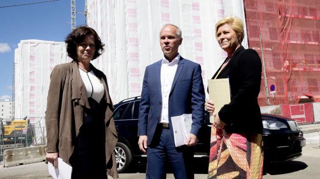 <p><b>LA FREM BOLIGPAKKE:</b> Kommunal- og moderniseringsminister Jan Tore Sanner, finansminister Siv Jensen og barne-, likestillings- og inkluderingsminister Solveig Horne.</p>