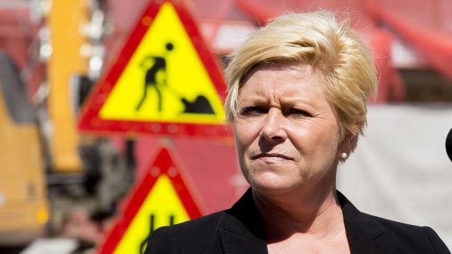 <p><b>FORAN VARSELTREKANT:</b> Finansminister Siv Jensen uttrykte bekymring for nordmenns økende gjeld og sa at vi må være «føre var» under fremleggelsen av Regjeringens strategi for boligmarkedet tirsdag.</p>