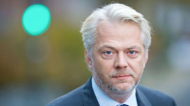 <p><b>FORNØYD:</b> Kommunikasjonsdirektør Jan Erik Fåne i Finans Norge ser ingen store konsekvenser av nye boliglånsregler.</p>