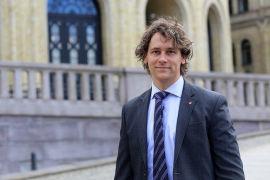 <p><b>MARKED VS STAT:</b> Fredric Holen Bjørdal, Arbeiderpartiet mener regjeringen har for stor tro på at markedet skal løse utfordringene i arbeidsmarkedet. Han vil ha en mer aktiv politikk for møte ledighetsveksten.<br/></p>