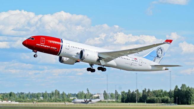 <p><b>DREAMLINER:</b> Boeing 787-8 Dreamliner fra Norwegian tar av fra Oslo lufthavn. Norsk Flygerforbund mener Norwegian forsøker på trikse seg til billigere arbeidskraft. Fullstendig feil, mener Norwegian.<br/></p>