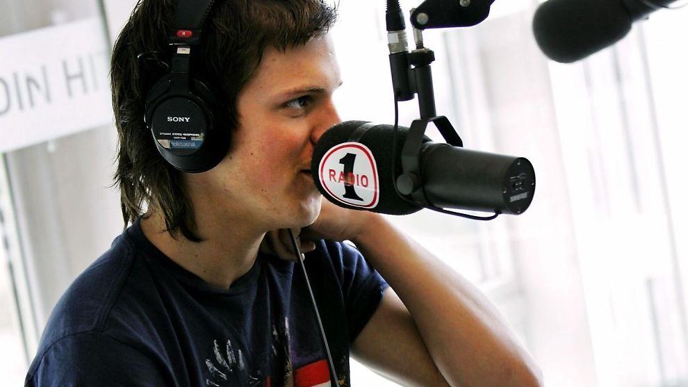 <p><b>KJØPT OPP:</b> Radio 1 er en del av SBS radio. Her er Idol-vinner Aleksander Denstad With under et intervju hos Radio 1 for noen år siden.<br/></p>